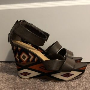 CL By Laundry Women's Size 7 Wedges